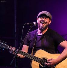Sander Thuss, gitarist coverband feest