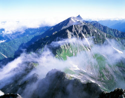 ak0506004152槍ヶ岳・美しきアルプスの国(北アルプス) (2)