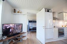 Værelse med moderne etageseng