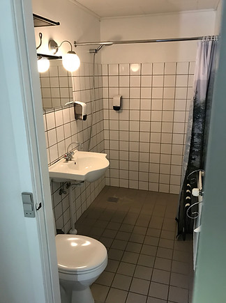 Privat bad og toilet
