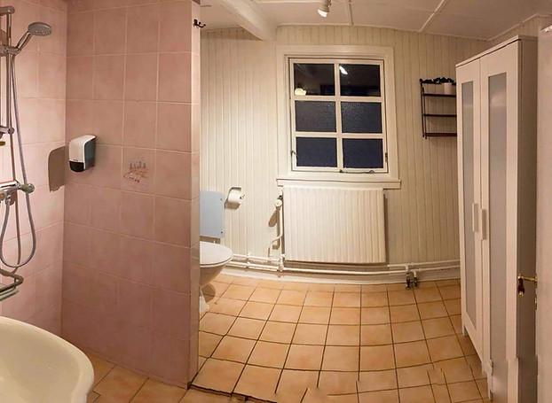 Privat bad og toilet