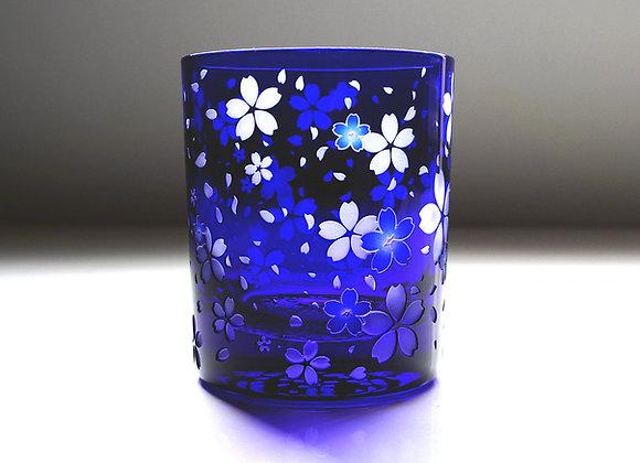 青藍の桜舞吹雪