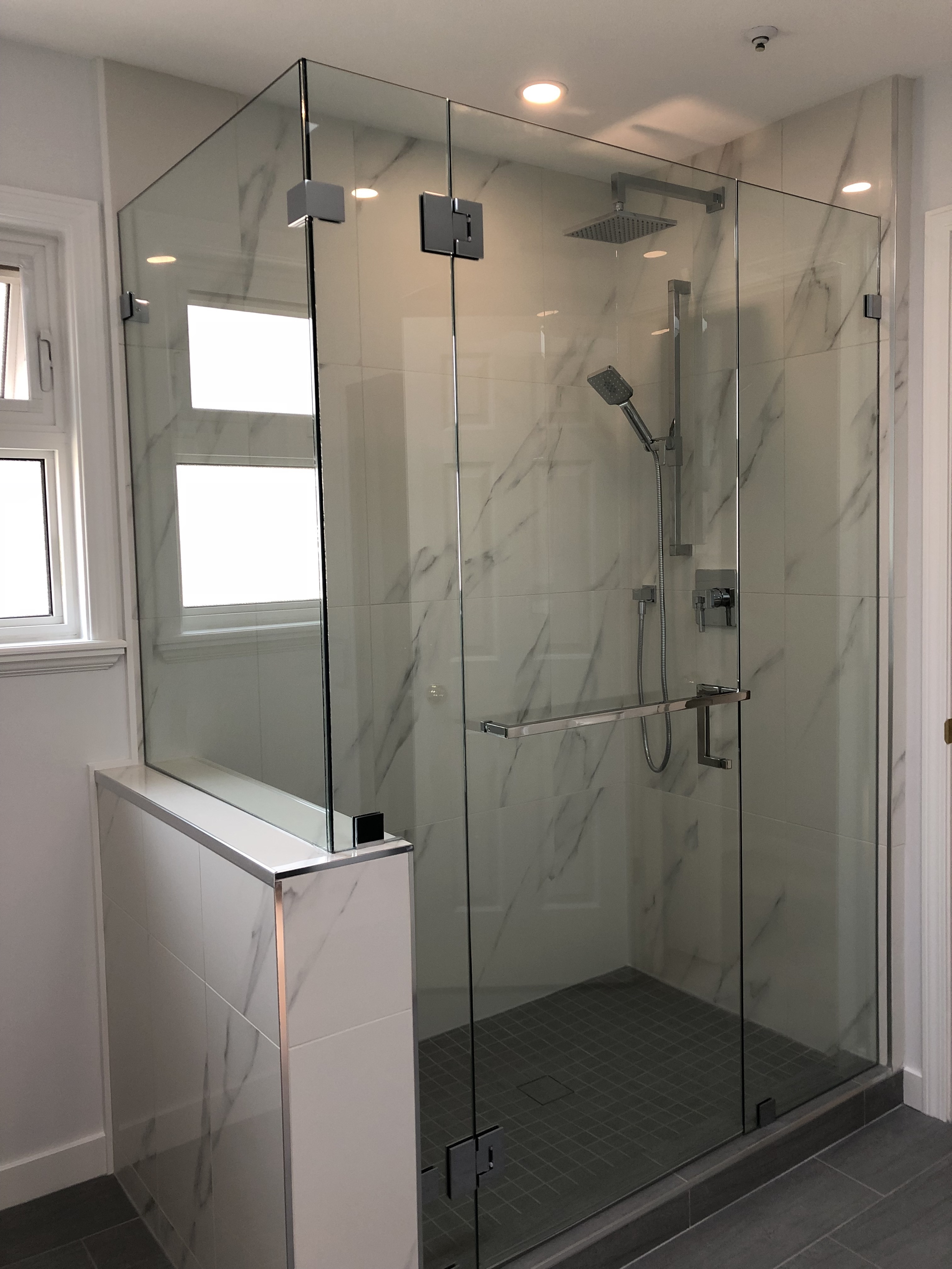 Shower enclosure frameless glass