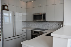Modern Kitchen in Light Grey
