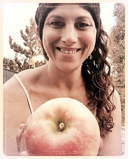 This is my very 1 Apple ever grown & pic