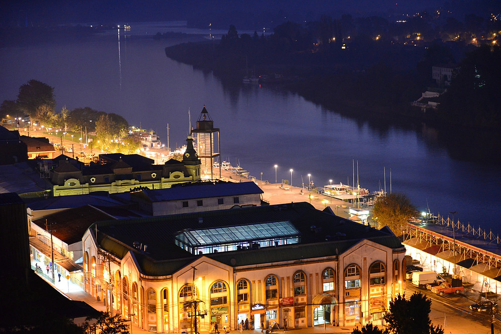 Picture of Valdivia's Market Center at Night