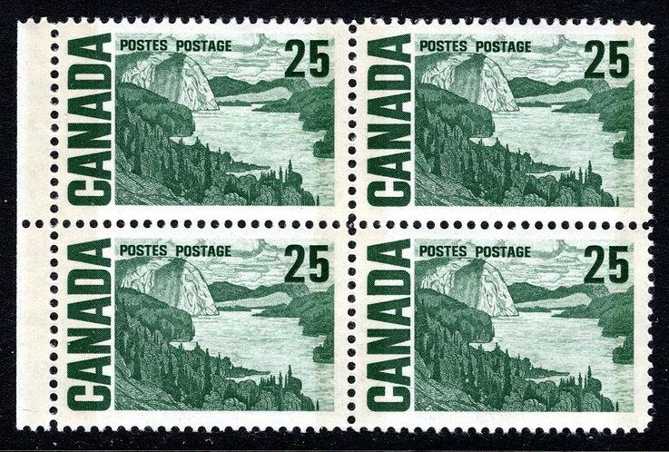 465pi, Scott, 25c, W2B, DEX, HG, MNHOG, 1967-73, Solemn Land, Block of 4