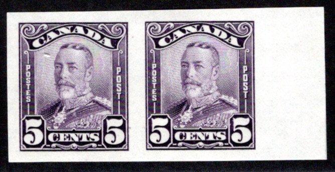 "Scott 153b, Canada, Imperf Pair, MLHOG, 5c, KGV ""Scroll"" Issue, C/V $150 in 2021"
