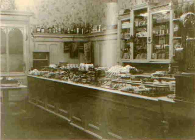 Verkaufsraum-Schmidtgasse-1910.jpg