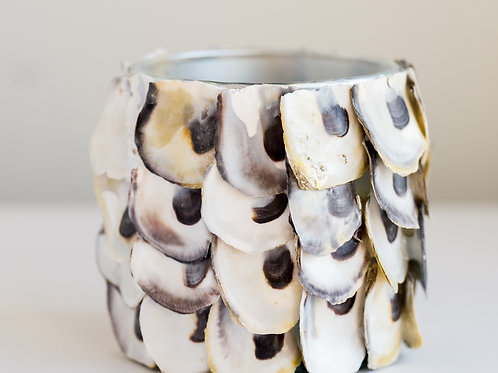 Oyster Shell Round Candle