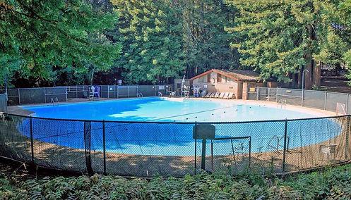 cjg_swimming_pool_1.jpg
