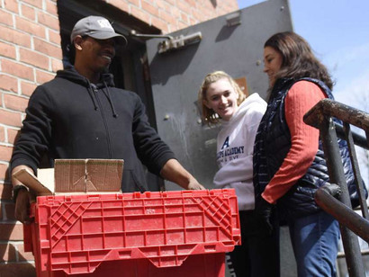 Greenwich agencies collect, deliver food to those in need