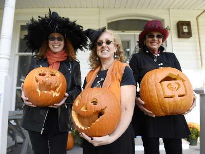 Greenwich Community Centers picks pumpkin winners
