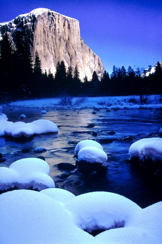 El Capitan by river, winter in the valley is less crowded and more relaxing