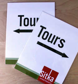 toursigns2.jpg