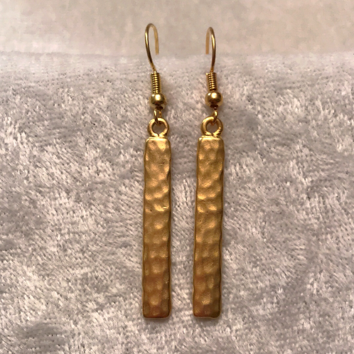Gold Hammered Bar Earring