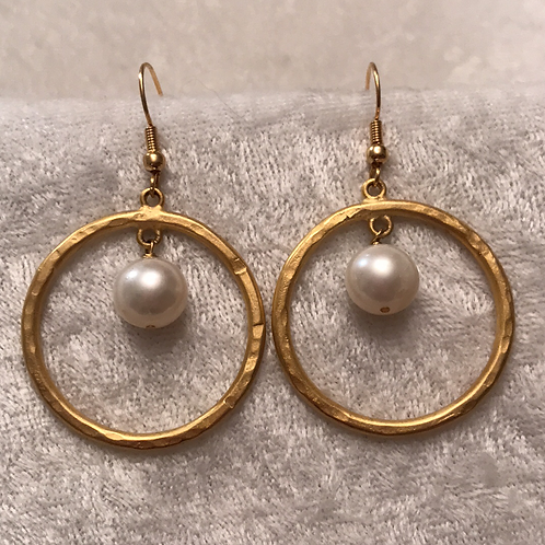 Gold Hoop and Pearl Earring