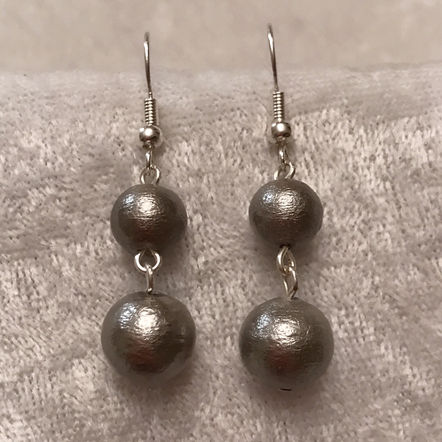 Grey Cotton-pearl Stacked Earrings