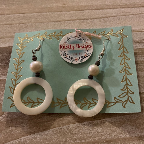 Mother of Pearl Ring with Pearls Earrings