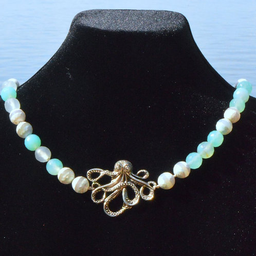 Octopus with Mint Agate knotted
