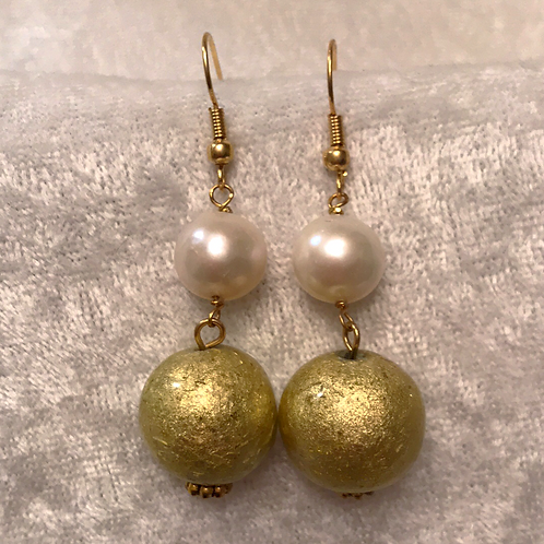 Pearl with Gold Bead Stack Earring