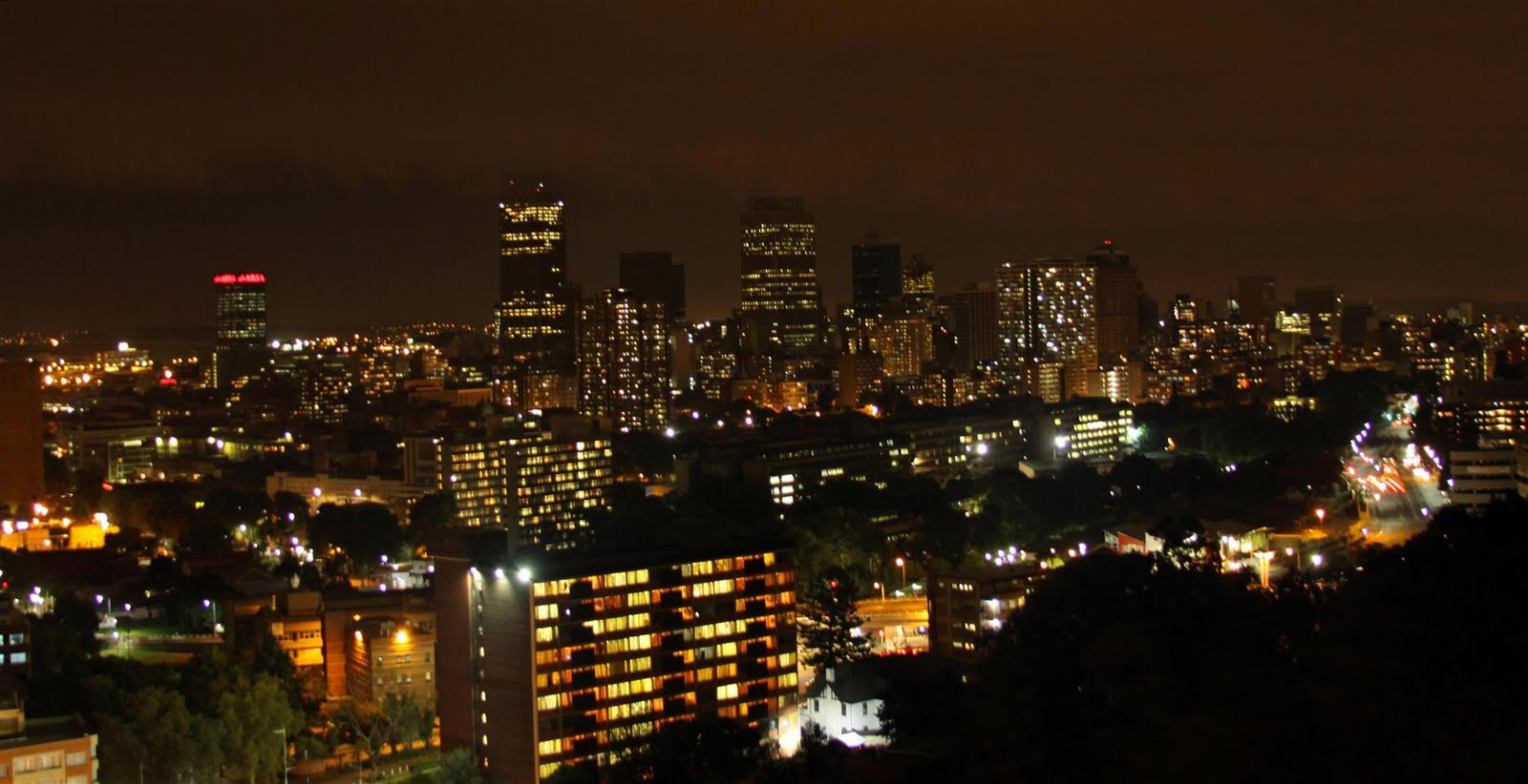 Jozi_at_night (Large).jpg