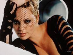 Charlize-Theron-2.jpg