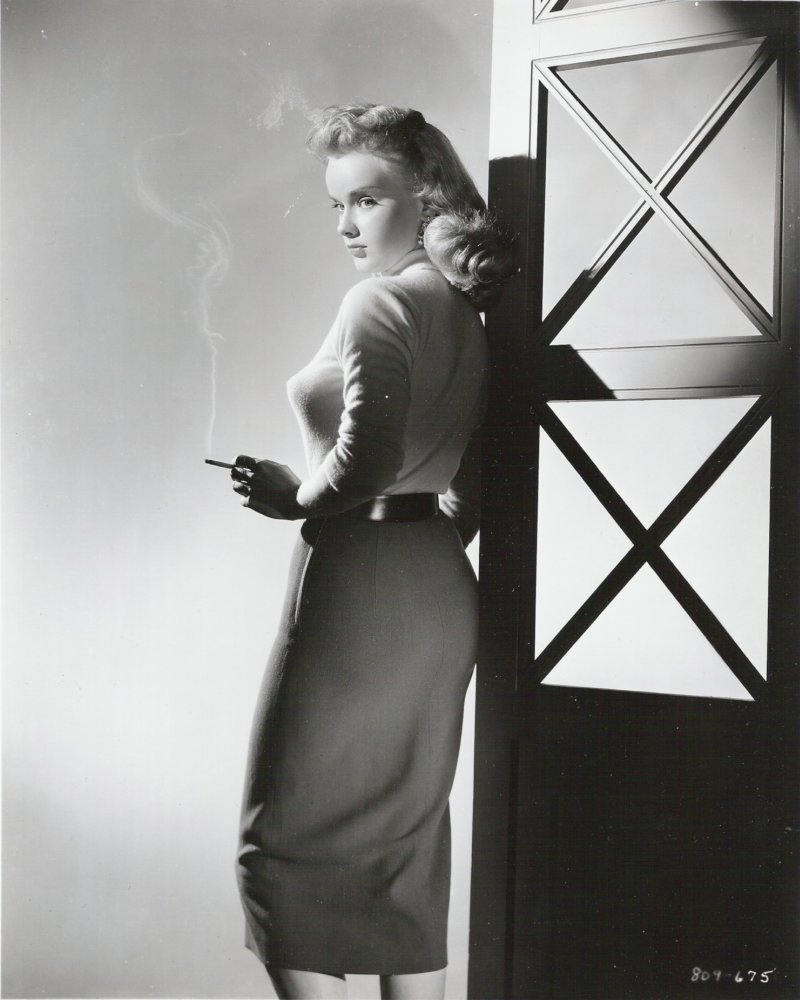 anne-francis-smoking-film-noir-sweater-girl.jpg
