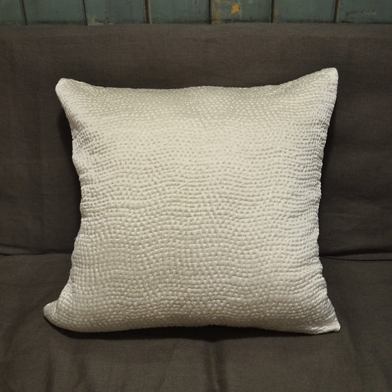 Le Monde Sauvage Hand-stitched Silk Pillow Cover