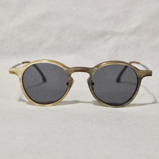 Rigards Horn Teardrop Glasses