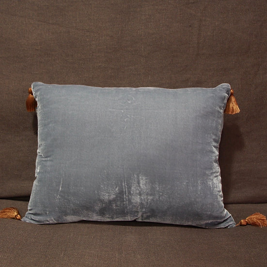 Le Monde Sauvage Housse Goa Pompon Velvet Cushion Cover