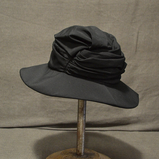 Y's Gathered Hat