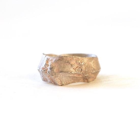 Detaj Ring with rough diamond