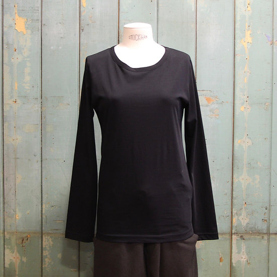 Y's Round Neck Long Sleeve Top
