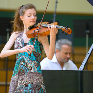 Erika Gray - Viola