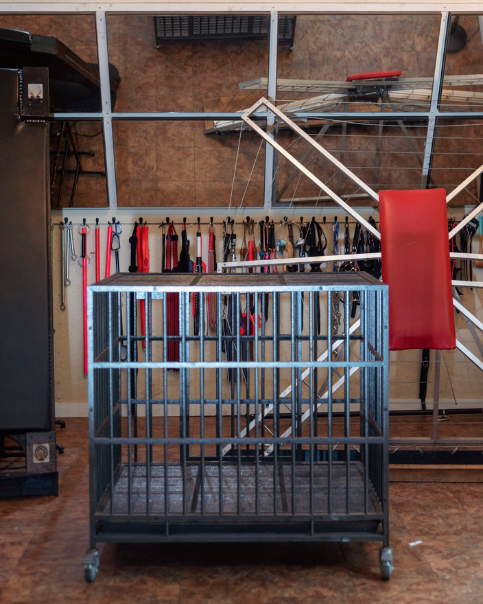 Dungeon Furniture Cage