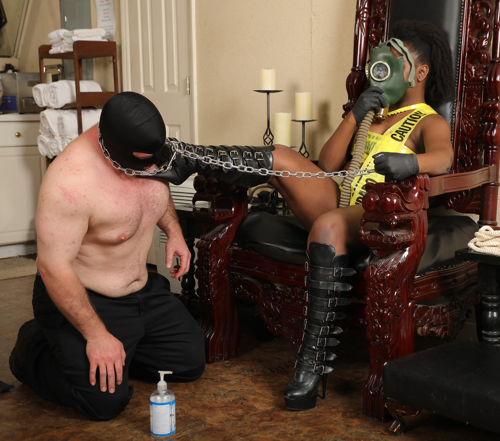 Domina Diabla boot licker sterilization