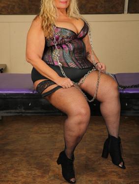 Queen Kat Krush Raleigh Domme