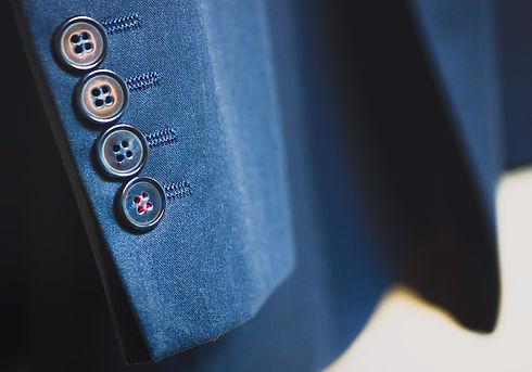 suit-926510_1920.jpg