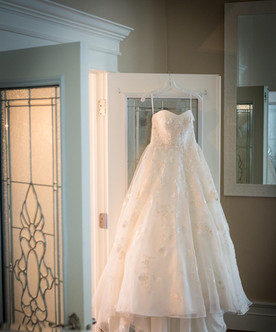 Doorway%20Wedding%20Gown_edited.jpg