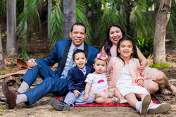 Family photographer in Balboa park