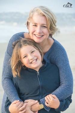 Family photographer on Pacific beach