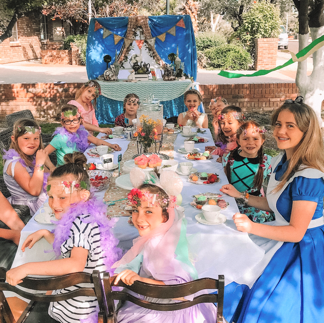 Magical tea party with Alice!