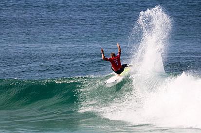 Mick Fanning Surfing Hossegor