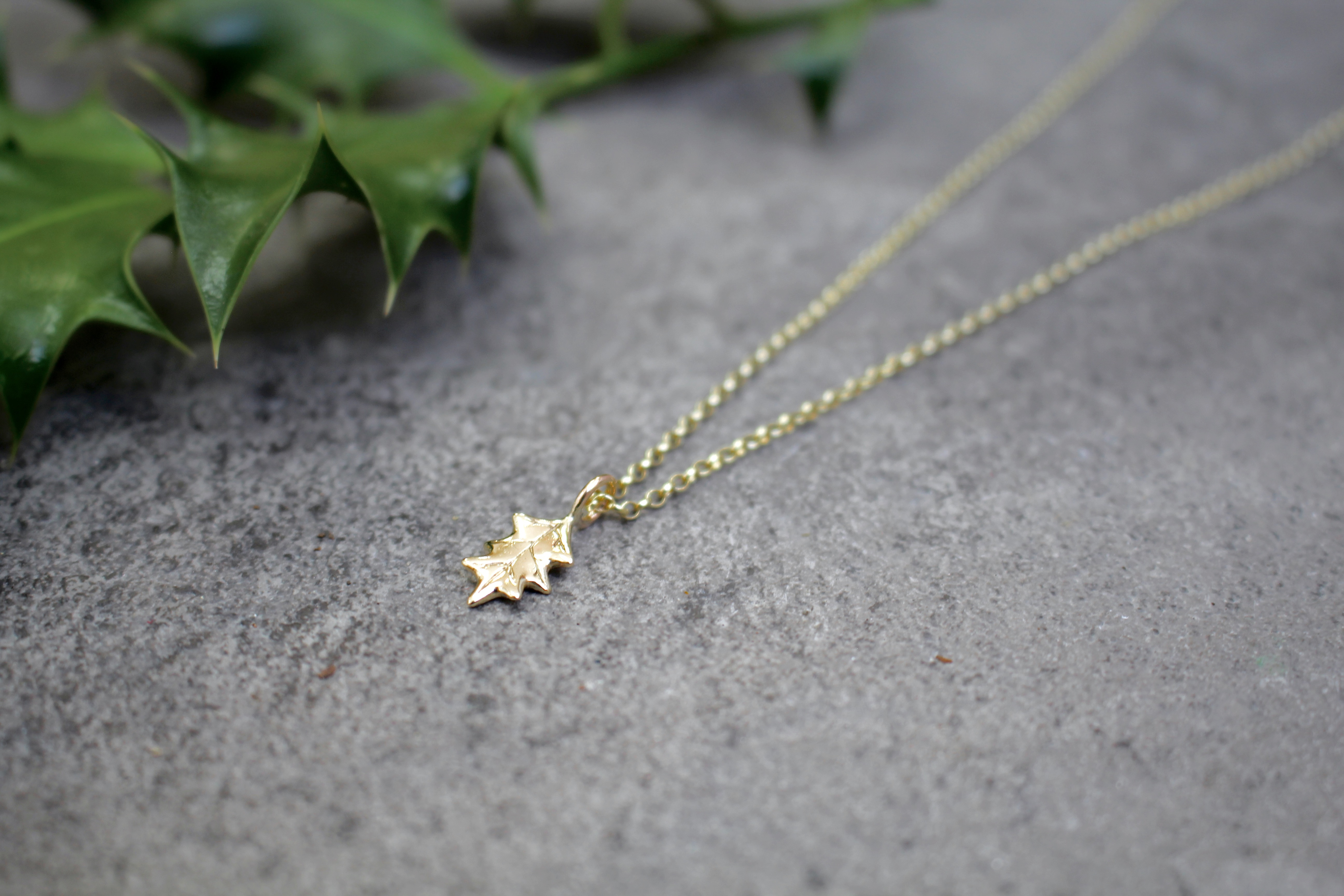 9ct Gold Holly Leaf Necklace