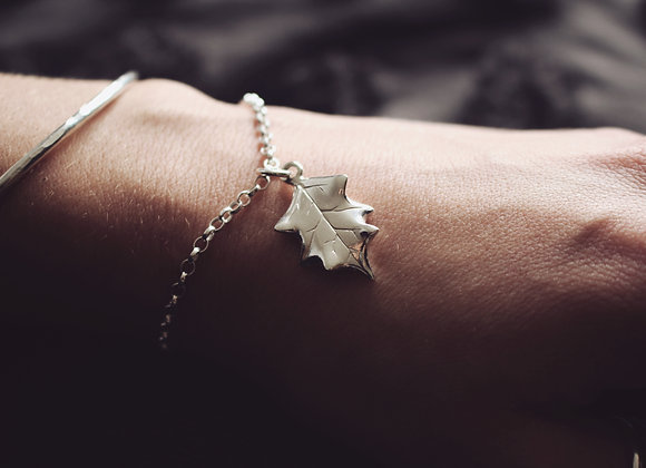 Holly Leaf Chain Bracelet