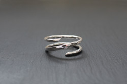 Hammered Crossover Ring