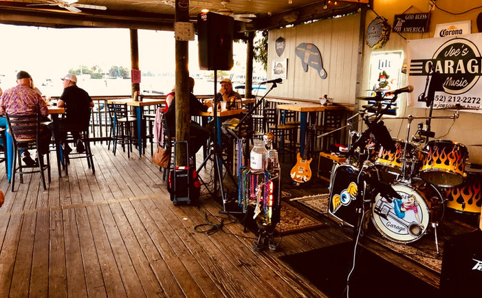 Cracker's Bar, Crystal River FL