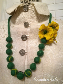 """Felted necklace """"Sunny Spring"""""""