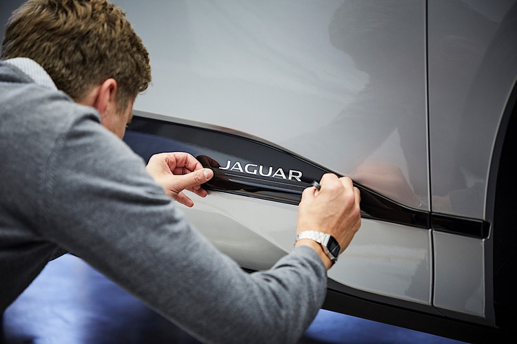clay-model-of-the-jaguar-i-pace-to-show-